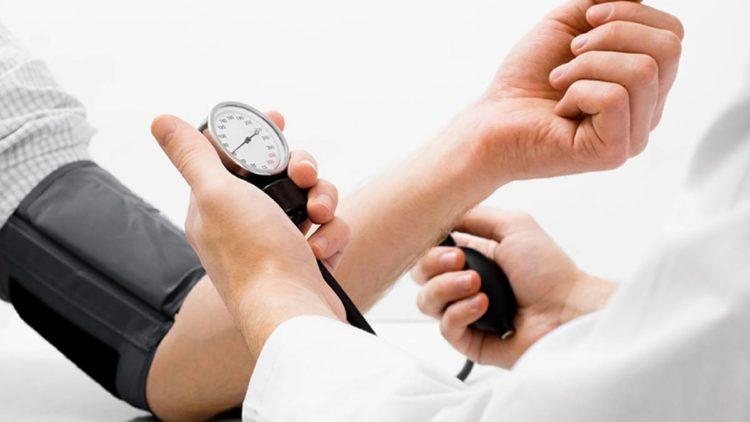 Tabletas de presión arterial en alerta de cáncer
