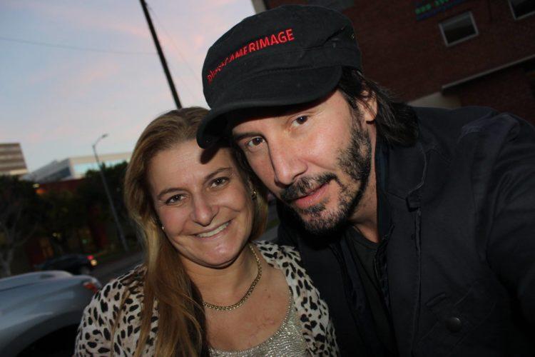 Keanu Reeves ayudó a una turista