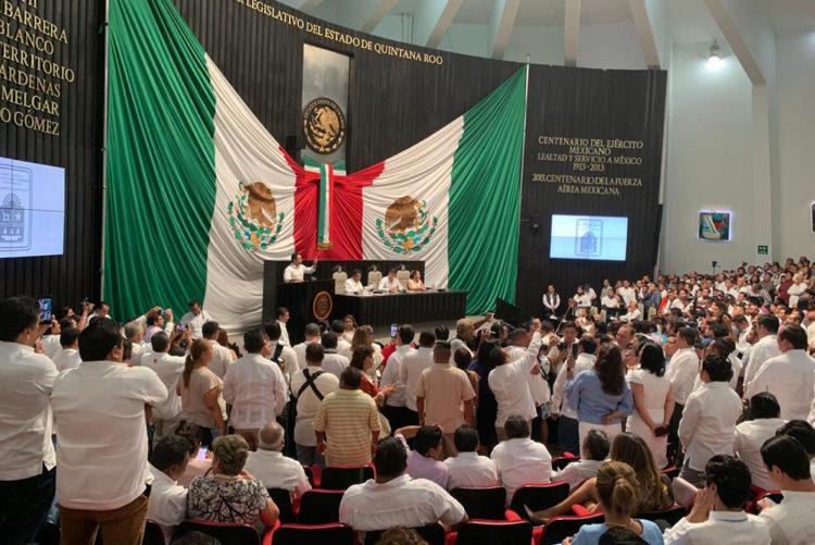 Caótico inicio de la XVI Legislatura de Quintana Roo