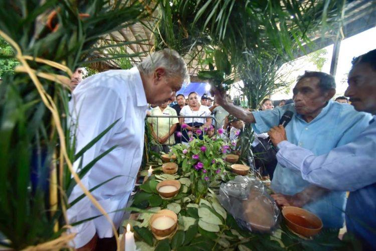 López Obrador afirmó que el tren no traerá afectaciones al medio ambiente ni a la riqueza cultural de la región Sureste.