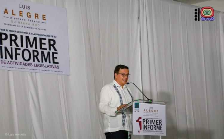 El diputado federal, Luis Alegre Salazar, destacó los principales logros obtenidos en su primer año de actividades legislativas