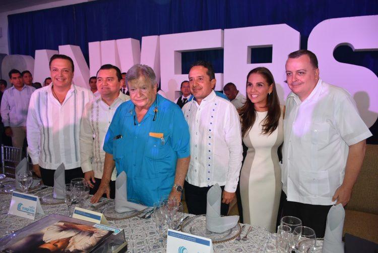 Luis Alegre, Antonio León, Don Gastón Alegre, Carlos Joaquín González, Mara Lezama