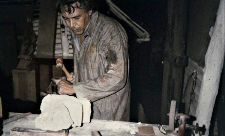 Víctor Fosado Vazquez instala un taller de carpintería y trabajos en madera donde se hacen los primeros diseños para el entonces nuevo Palacio Municipal.