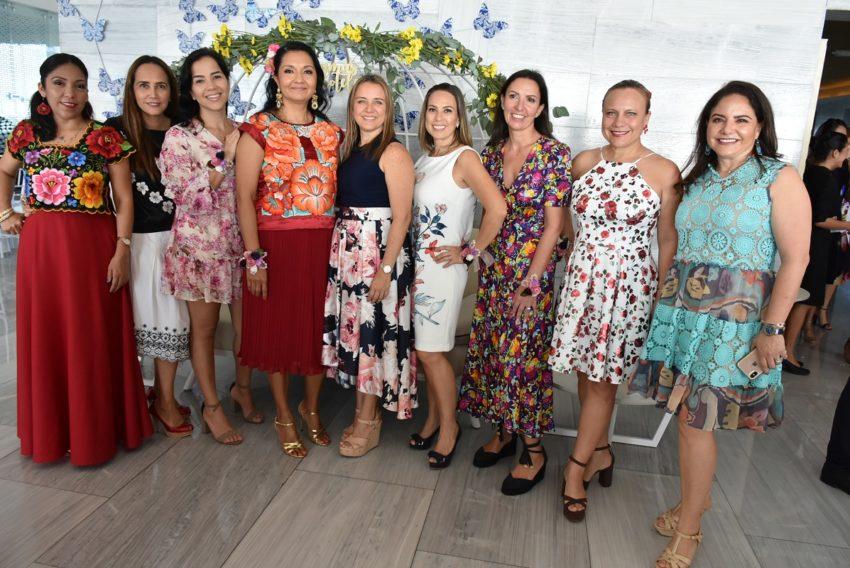 Elba González, Tania Velasco, Catalina Desbois, Josefina Carrasco, Polina Salazar, Paola Marín, Bárbara Debarle, Ankara Angulo y Nenina Domínguez